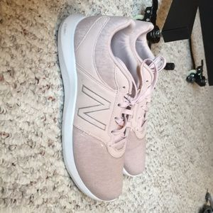 new balance memory foam athletic shoes